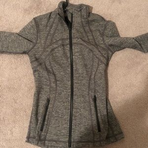 lululemon define jacket size 6 (brand new)